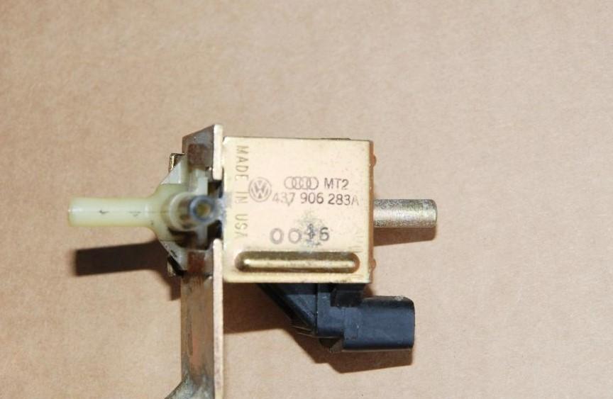 Audi Magnetventil Umschaltventil Klima 437906283A MT2